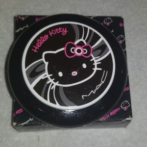MAC Hello kitty bueaty powder